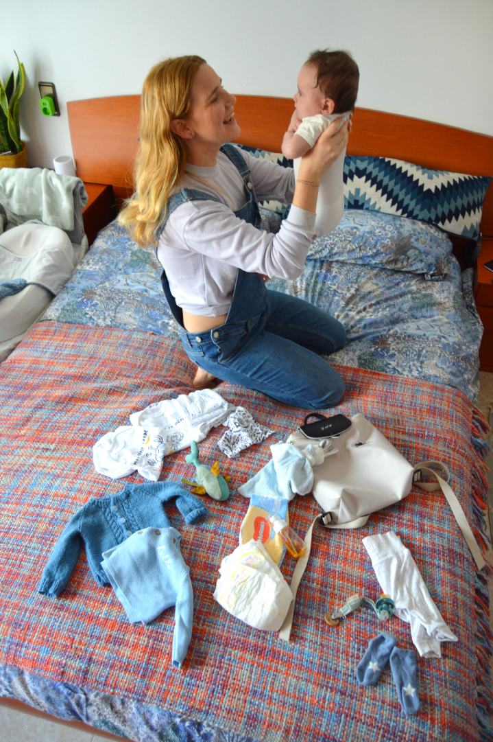 WHAT'S IN MY DIAPERBAG!